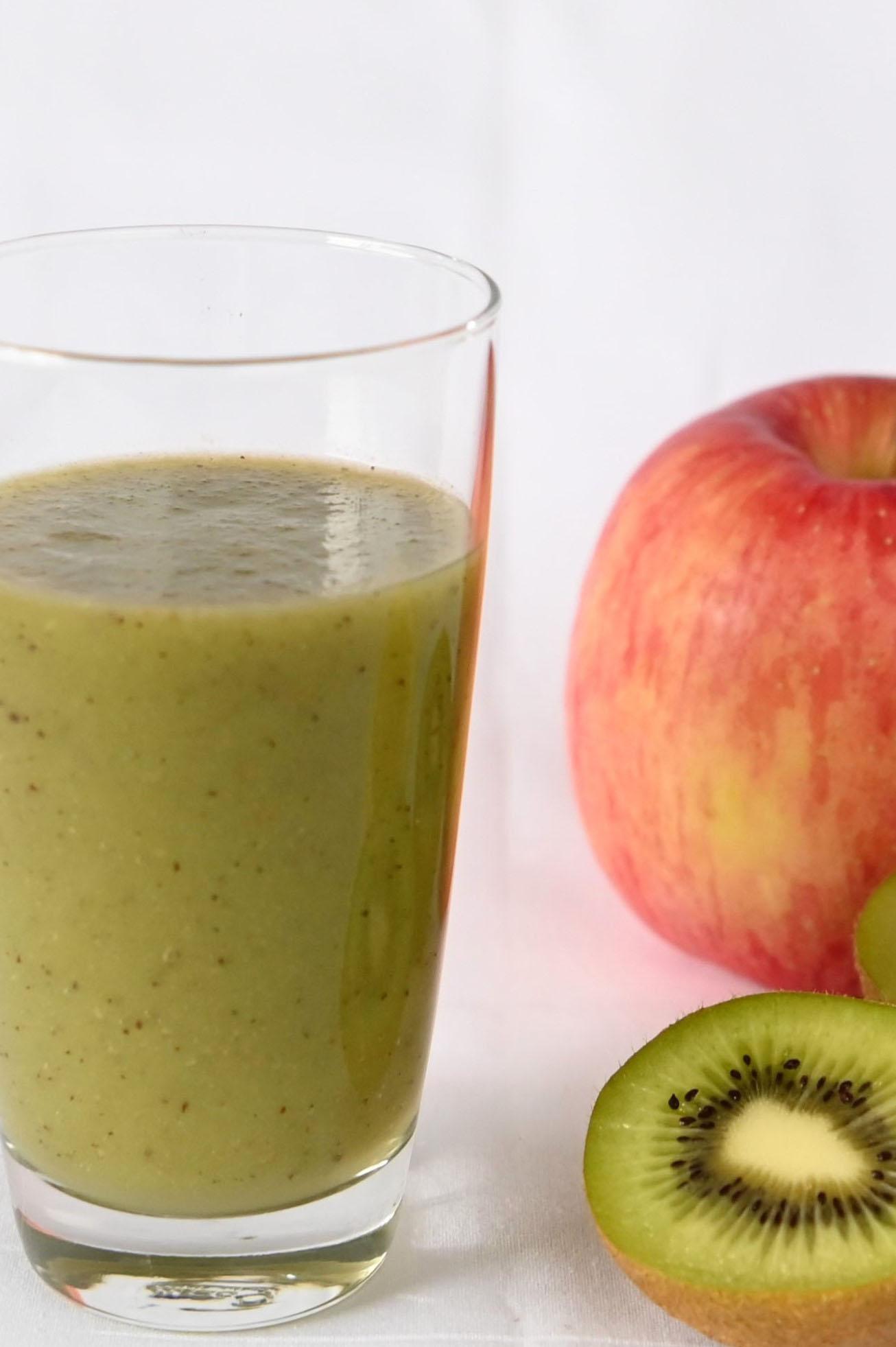 はとむぎ美人入り キウイとリンゴの美肌ジュース