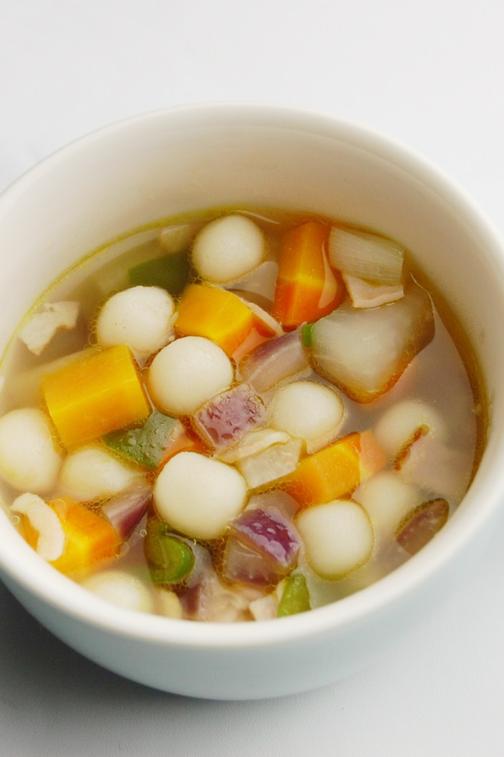 はとむぎ団子入り野菜スープ